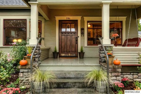 Small Craftsman Bungalow in Oregon | hookedonhouses.net