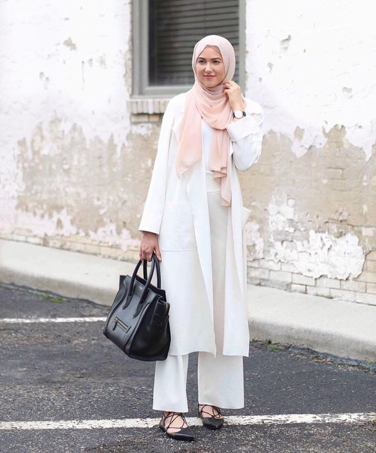 White on white. Throw in dusty pink and black. Keep it classic.