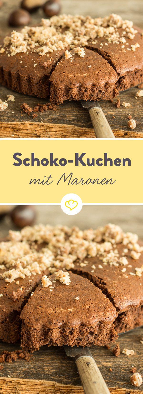 Maronen bringen, geröstet oder gekocht, eine natürliche Süße mit und verleihen diesem glutenfreien Schokokuchen ein wunderbar nussiges Aroma.