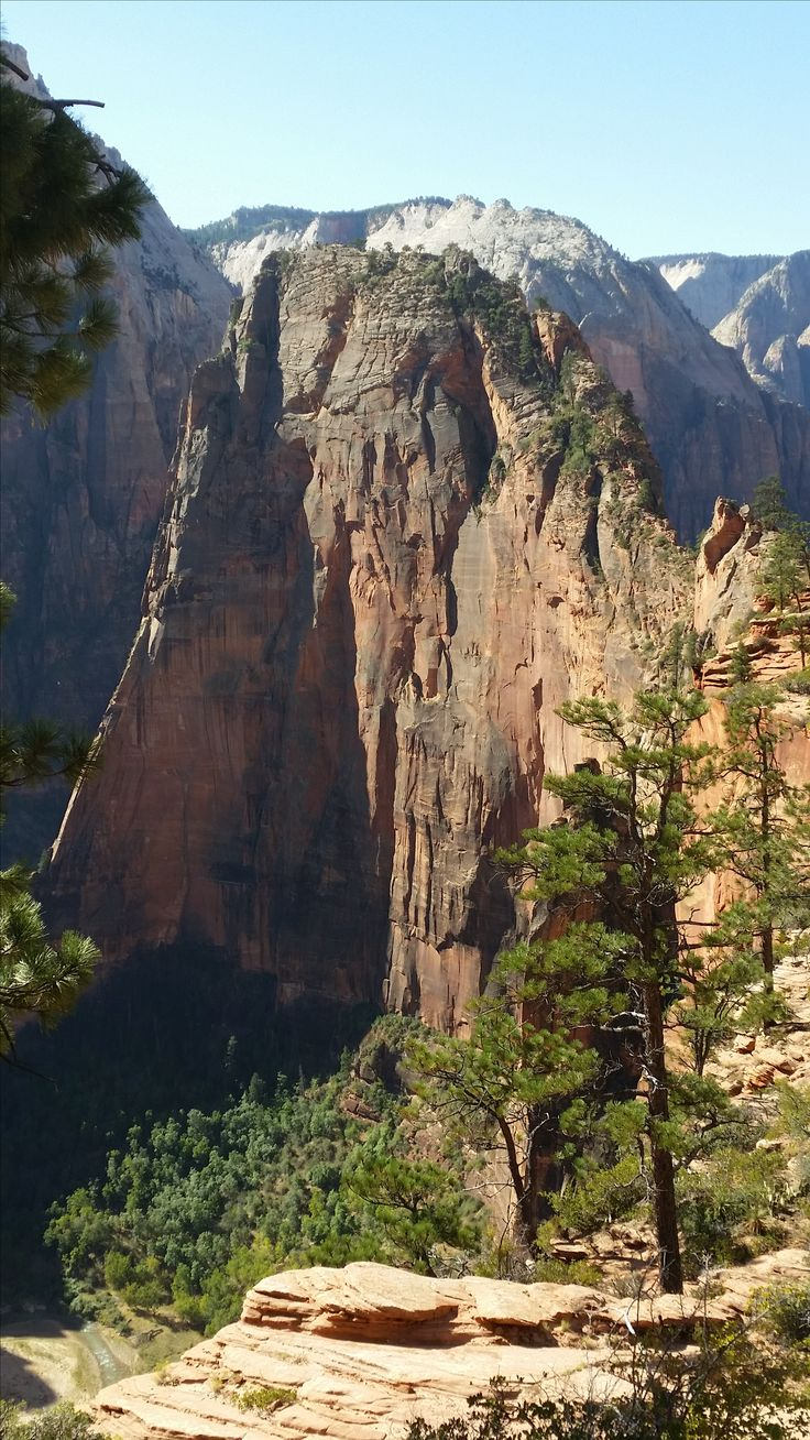 Angels Landing from Scouts Lookout