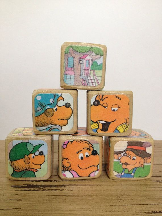 The Berenstain Bears  // Childrens Book Blocks // Natural Wood Toy