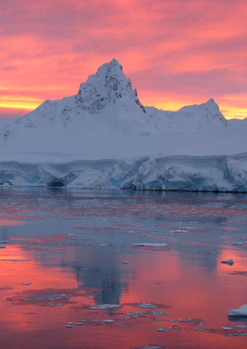 Sunrise Or Sunset In Antarctica A Beautiful