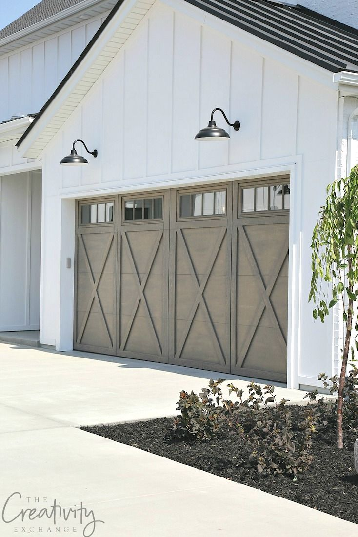 27 Modern Farmhouse Exterior Design Ideas For Stylish But Simple Look: Garage Doors, Modern Farmhouse Exterior And Garage