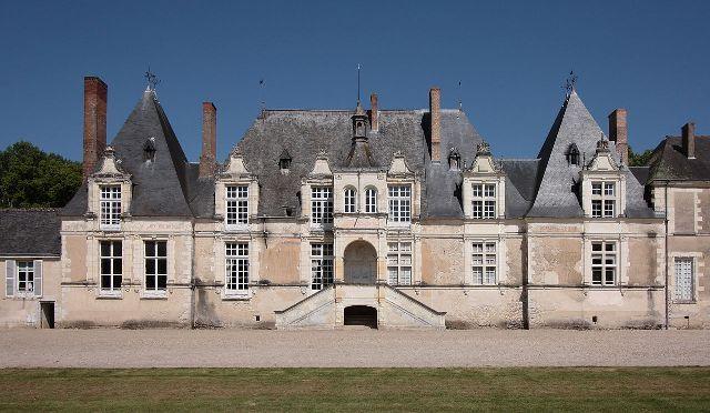 Château de Villesavin►►http://www.frenchchateau.net/chateaux-of-centre/chateau-de-villesavin.html?i=p