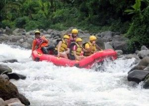 Daftar Tempat Lokasi Rafting di Malang dan Kota Batu Arung Jeram | Paket Wisata Malang,Bromo Tour, Ijen Tour, Surabaya Tour