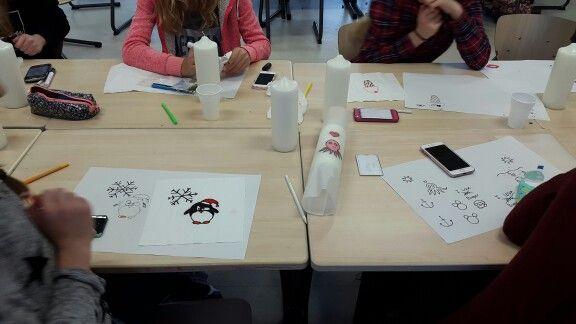 met leerlingen kaarsen versierd :)