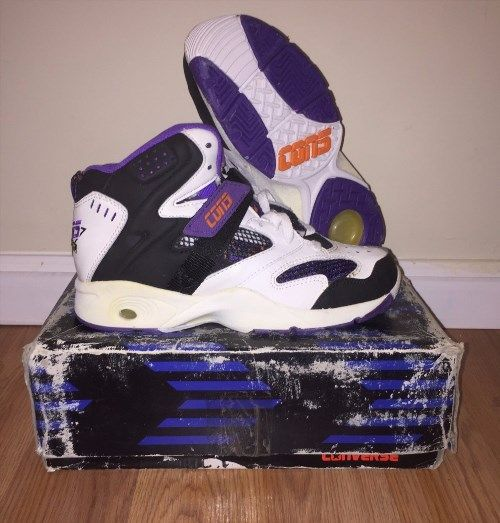 """140.24$  Watch here - http://vitcx.justgood.pw/vig/item.php?t=nq78pc9866 - NEW IN BOX WITH KEVIN JOHNSON TAG STILL ATTACHED DEADSTOCK MENS VINTAGE RETRO 90'S CONVERSE CONS REACT """"RUN N SLAM"""" MID HIGH TOP BASKETBALL SHOES IN A WHITE/BLACK/PURPLE COLORWAY"""