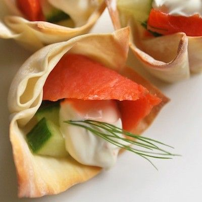 baked wonton wrappers filled with sour cream and smoked salmon or goats cheese fig and walnut