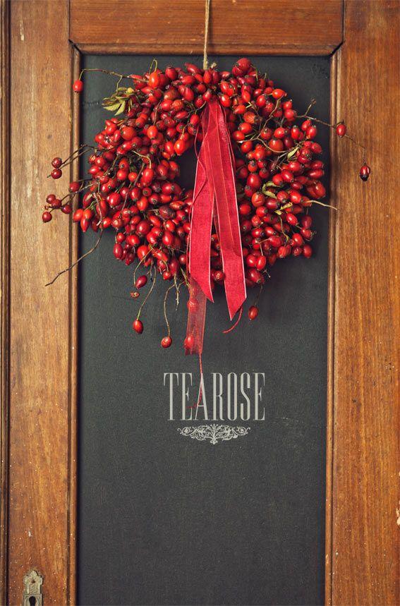 Őszi koszorú csipkebogyóval   autumn wreath with rosehip