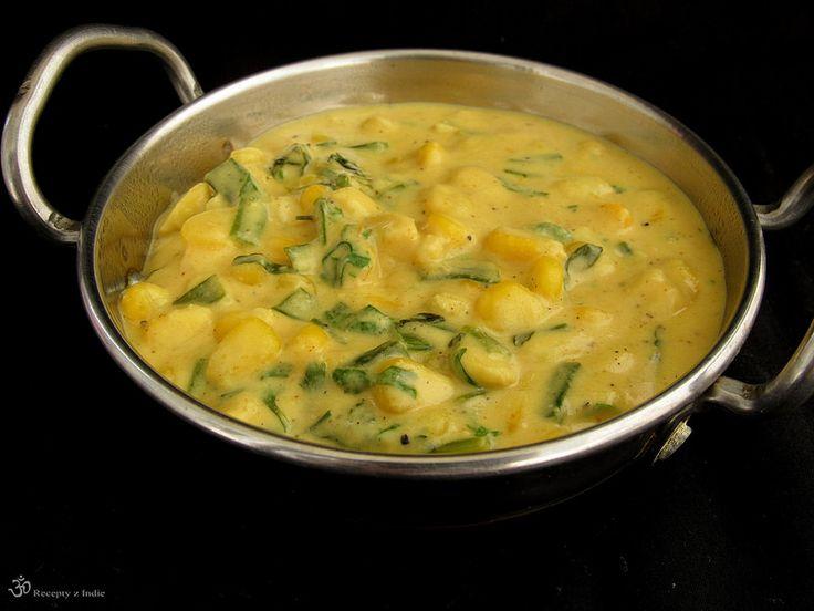 Kukurica s jarnou cibulkou v makhani omacke