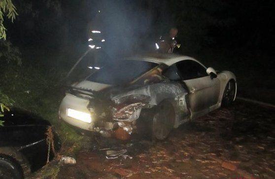 В ночь с пятницы на субботу в Могилеве сгорел Porsche Cayman http://www.belnovosti.by/incidents/53041-v-noch-s-pyatnitsy-na-subbotu-v-mogileve-sgorel-porsche-cayman.html