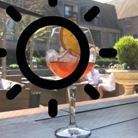 In this heat, aperol spritz is just the refreshing drink one needs to stay fresh …   – drinks