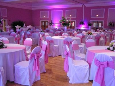 White Tablecloth With Silver Overlay Pink Runner Google