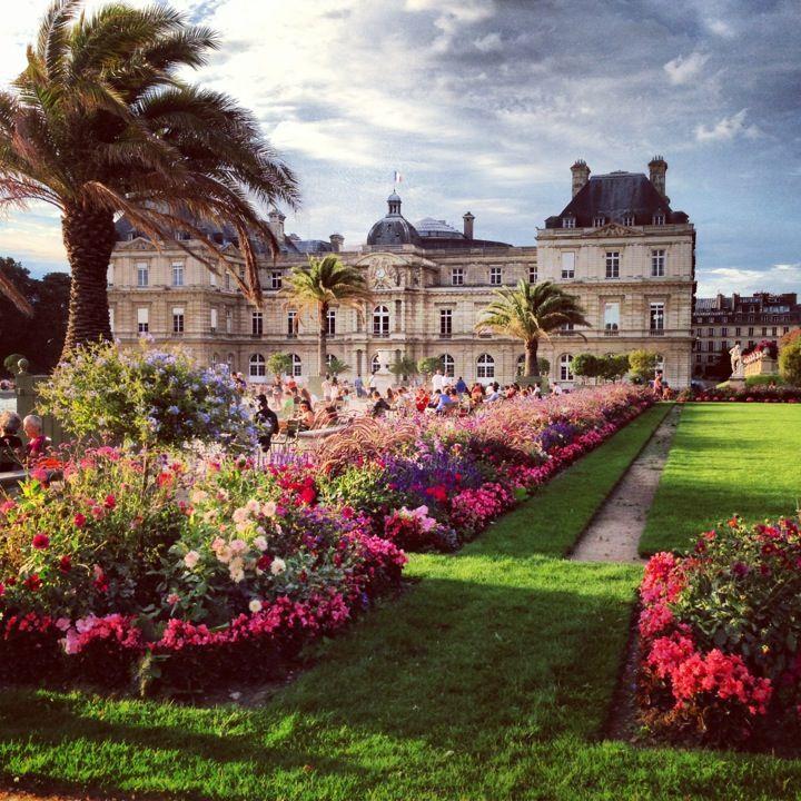 Jardin du Luxembourg tous les jours 8am- le coucher du soleil l'ete 7.30am  Admission: gratuit  arrondissement 6