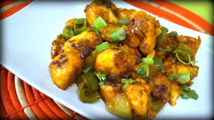 Cauliflower florets shallow fried and saute in the sauce of capsicums and soy makes this a delicious snack and wonderful, side dish for rotis and naans.