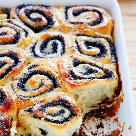 Egy finom Mákos tekercs ebédre vagy vacsorára? Mákos tekercs Receptek a Mindmegette.hu Recept gyűjteményében!