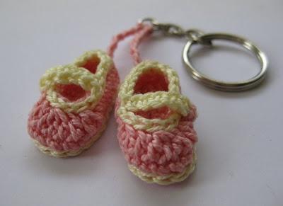 Crochet Mini Booties Souvenir - free pattern