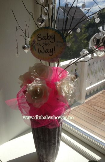 Baby on the way! Baby shower inspo from www.dinbabyshower.no