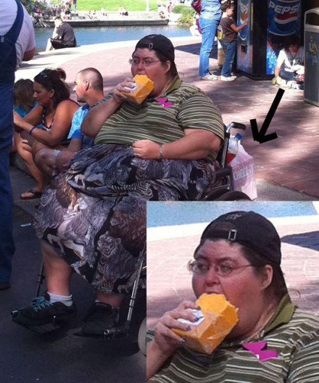 This woman eating a block of cheese. @thevictorggonza