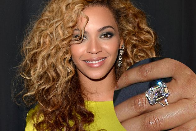Beyonce Engagement Ring From Jay Z. A girl can dream :)