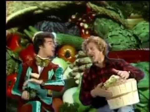 La cultissime chanson Les Bons Légumes, de l'émission québécoise pour enfants : Passe-Partout. C'est pour toi, ALAIN ! :)