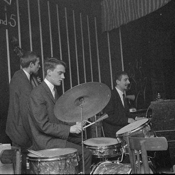 1960's. Members of the Diamond Jazz perform at the Jazzclub Sheherazade at the Wagenstraat in Amsterdam. Photo MAI Beeldbank. #amsterdam #1960 #Sheherazade #Wagenstraat