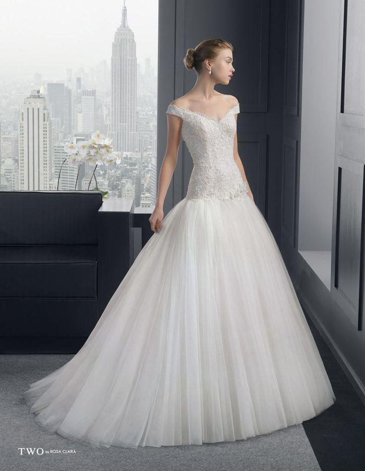 CHIC TWO-6 Lavorazioni #artigianali e #tagli perfetti su abiti ed accessori, per #matrimoni di grande classe. www.mariages.it
