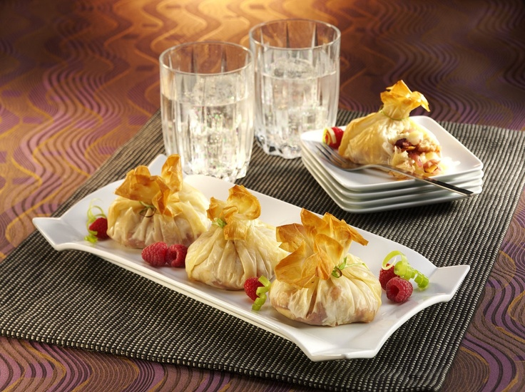 Chik N Pear Raspberry Amp Brie Phyllo Purse Appetizers Appetizer Recipes Food Recipes Food