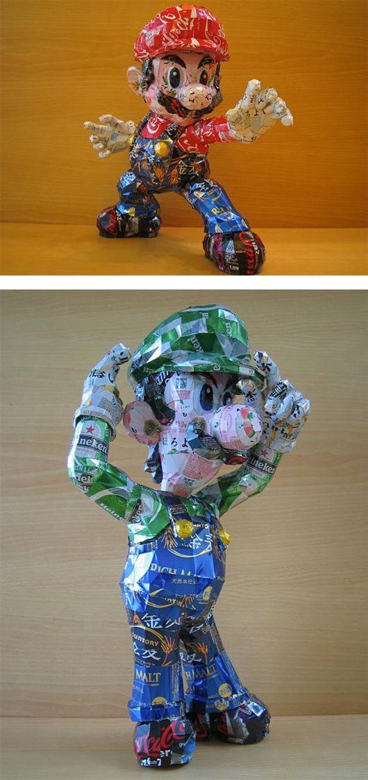 Esculturas con latas de la cultura pop