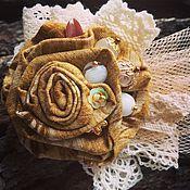 Купить или заказать Брошь 'Клематис' в интернет-магазине на Ярмарке Мастеров. Брошь из нежного японского хлопка потрясающего серо- голубого оттенка с мелкими коралловыми розочками. Разные по фактуре и цвету хлопковые кружева, вуаль, Украшена бусинами коралла, агата, фурнитурой под бронзу. Готово три похожих из одинаковой ткани, но в тоже время разных броши. На первом фото брошь примерно 7 см, цена 1350. На последнем фото две броши поменьше около 5 см по 950 рублей.