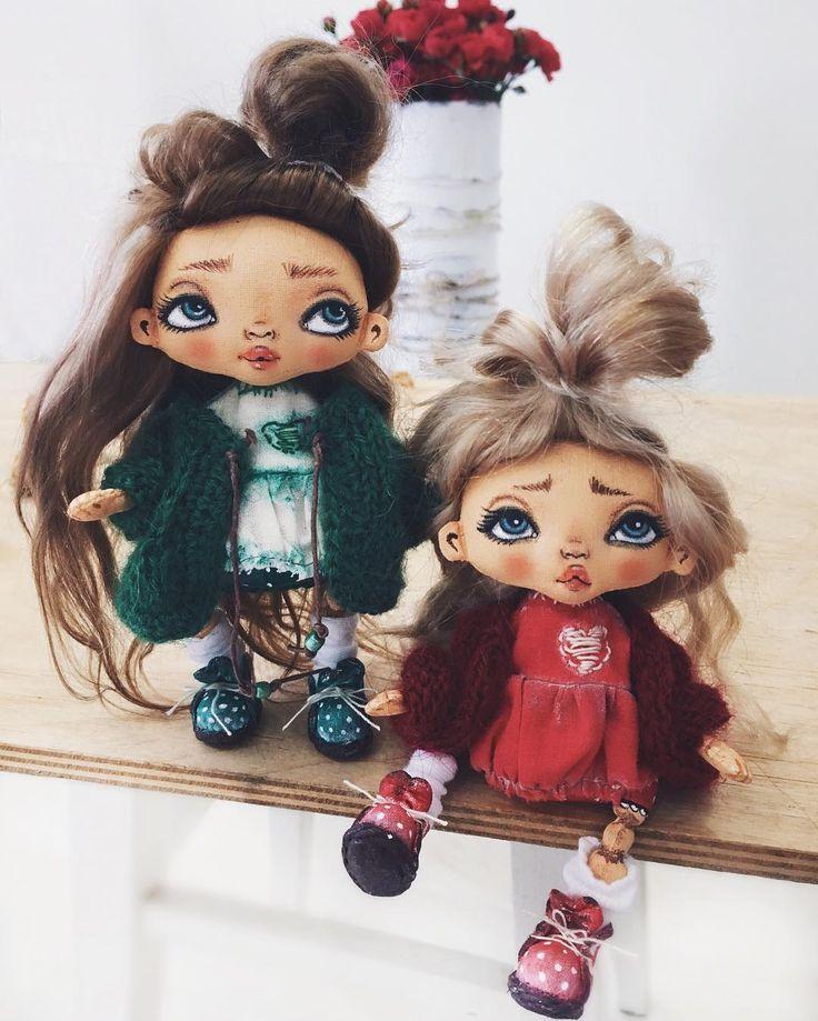 Всем доброго утракааазявочки утеплились  и сегодня в 20-00 по московскому времени , под новыми фото , будут ждать встречи с вами кто заинтересовался , приходите  p.s в процессе фотосъёмок выяснилось , что с опорой могут немного стоять #кукларучнойработы #handmade #craft #куклаизткани #текстильнаякукла #интерьернаякукла #дочкиматери #дочки #девочкитакиедевочки #кардиган #feelfreefeed #nature #kids #kidsroom #baby #пупсик #ручнаяработа