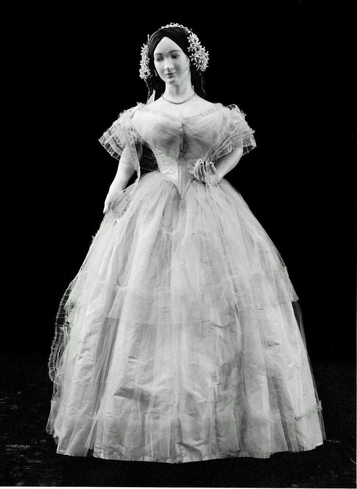 Nice Wedding dress worn by Ella Lowell American white taffeta under dress with white tulle over