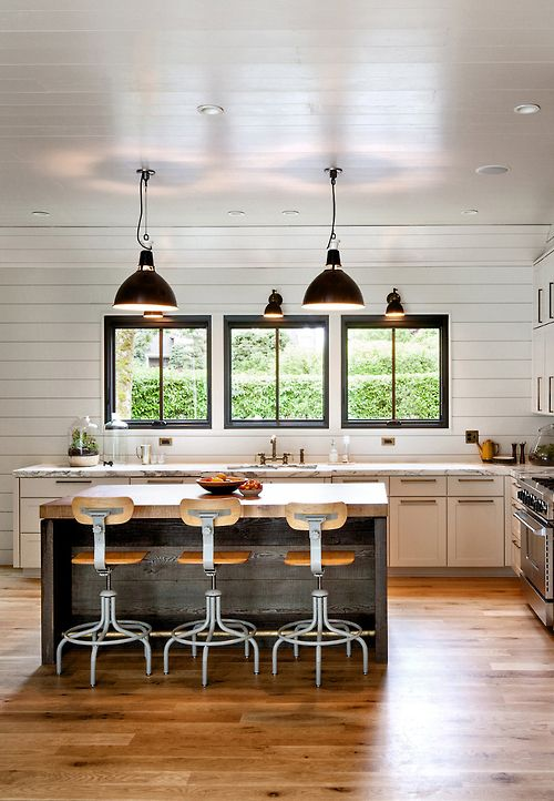kitchen~island bench + lights