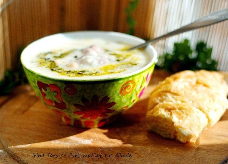 Йогуртовый суп с нутом и фрикадельками