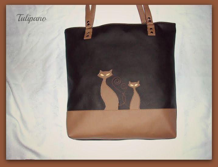Szaladgálós, nagy, cicás táska barna-feketében