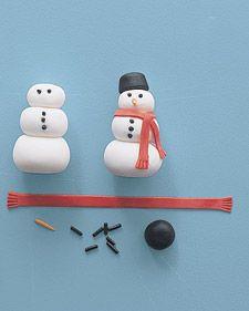 How to make fondant snowmen.