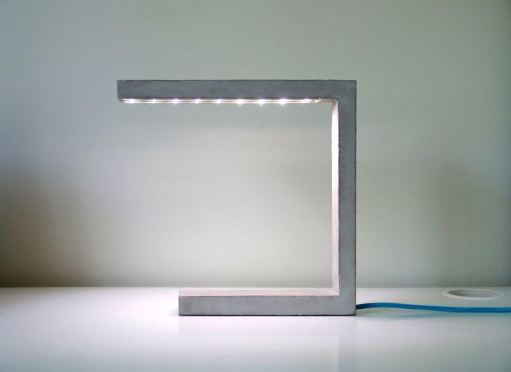 ProtoType Lámpara de hormigón y LEDs de diseño minimalista. door LuminariaShop op Etsy https://www.etsy.com/nl/listing/151892658/prototype-lampara-de-hormigon-y-leds-de