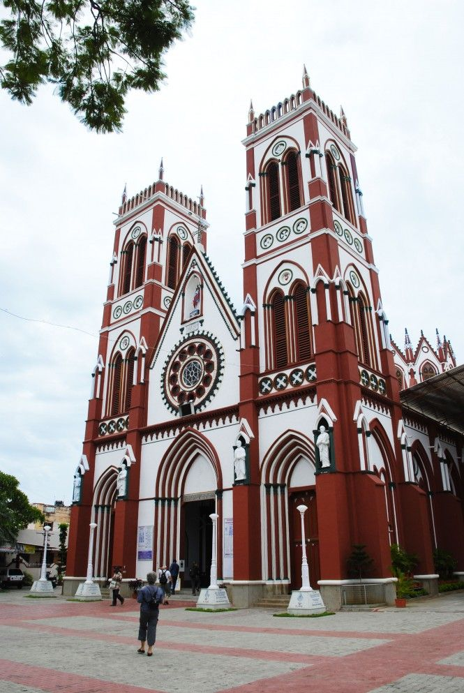 An exquisite edifice of Gothic architecture, Basilica of the Sacred Heart of Jesus is among the popular and treasured attractions of #Puducherry.