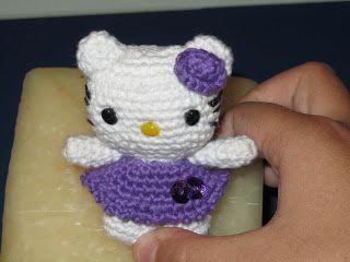 Llavero Amigurumi Mini Hello Kitt  ~ Patrón Gratis en Castellano