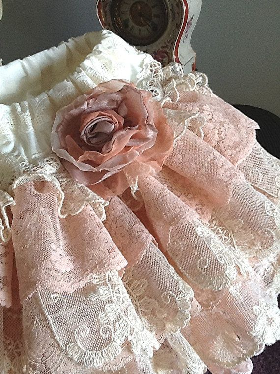 Wedding Flower girl Vintage Lace Ruffled skirt di Babybonbons