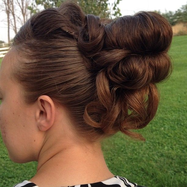 Apostolic pentecostal hair. I need to do this with my hair!!!