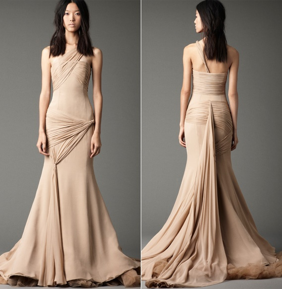 nude Vera Wang wedding dress