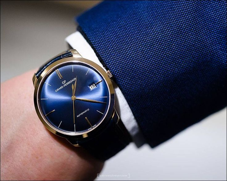 The Girard-Perregaux in pink gold and blue