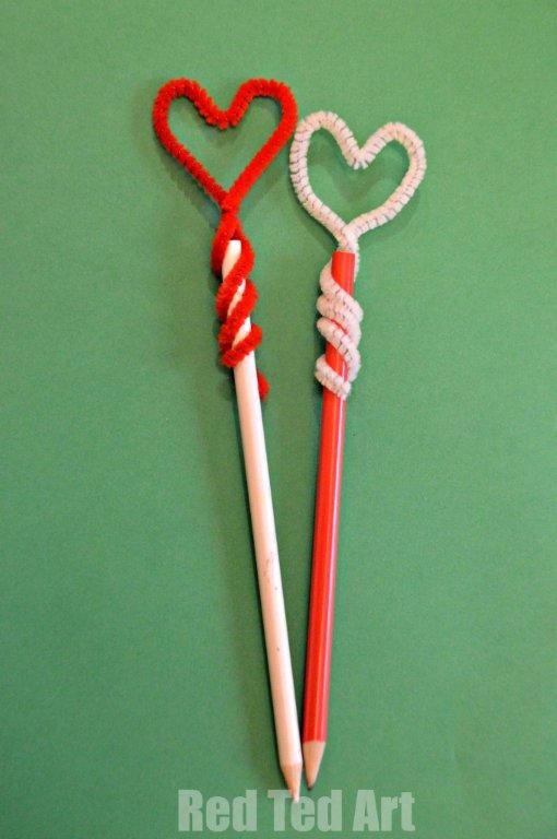 Pencil Topper Heart: super simple - I think I'll surprise the kiddies on Feb. 14th with these on their pencils.