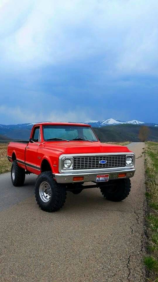 '72 Chevy K10 - god I miss my daddy's '72... Big Red, with a cactus jack antenna topper