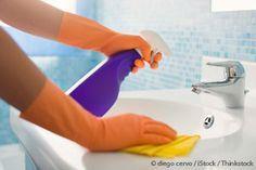 Aquí están algunos consejos sobre cómo hacer limpieza de primavera en su casa de manera saludable y sin toxinas. http://articulos.mercola.com/sitios/articulos/archivo/2014/04/19/consejos-para-la-limpieza-de-primavera.aspx