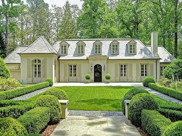 Things That Inspire Painted Brick Houses Many Of The Homes In Atlanta Area On This Webpage Started Out As Ranches And Were Remodeled Into Grander