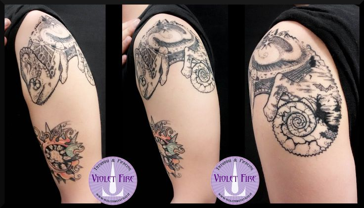 Tatuaggio Camaleonte Universale - Ttauaggio universo, tatuaggio pianeti, tatuaggio medusa, tatuaggio pipistrello, tatuaggio montagne - tatuaggio animali, tatuaggio bianco e nero, tatuaggio stelle, tatuaggio pianeti, tatuaggio artistico, tatuaggio miniatura, tatuaggio colori, tatuaggio braccio - Violet Fire Tattoo - tatuaggi maranello, tatuaggi modena, tatuaggi sassuolo, tatuaggi fiorano - Adam Raia