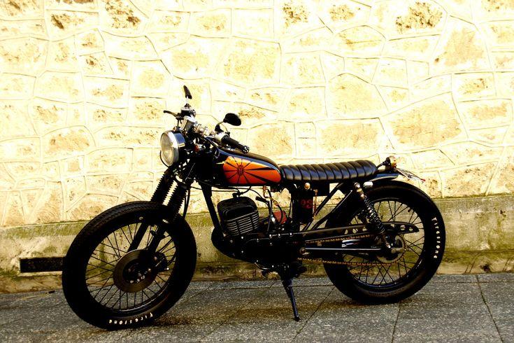 Suzuki GP125 custom by Hand Made Vintage Kustoms: Suzuki Gp125, Cafe Racers Brat, Vintage Motorcycles, Brat Style Motorcycles, Hands Made, Garage Projects, Vintage Kustom, Projects Motorcycles, Westerns Australia