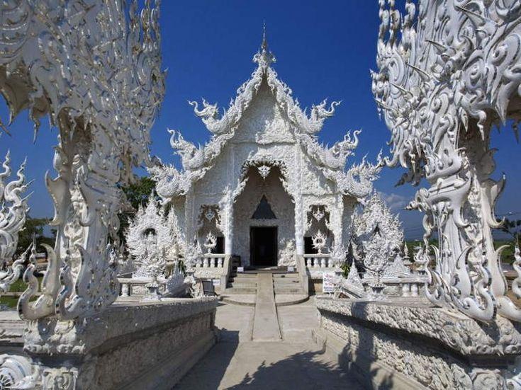Thailand!!!!!!! <3 Wat Rong Khun..